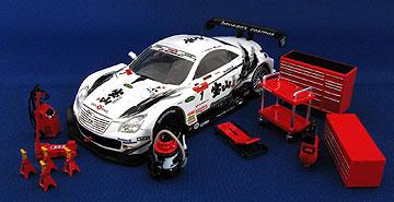 スナップオン ガレージシリーズとミニカーの組み合わせ写真