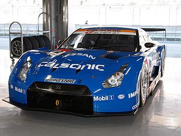 カルソニック INPUL GT-Rの写真の写真(フロント)