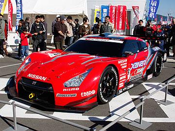 R35 NISSAN GT-R Racing ラウンチヴァージョンの写真(左側)