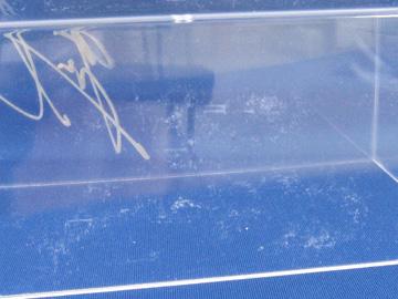 プラケースに付いた擦り傷の写真