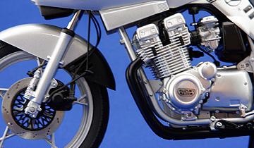 オートアート製カタナのエンジン周りの写真