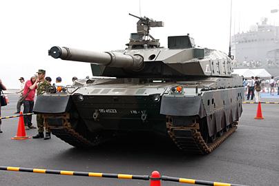 10式戦車の写真2