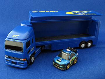 トランスポーターとインプレッサのちびっこチョロQの写真