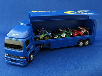 トランスポーターにチョロQを1台収納した状態の写真