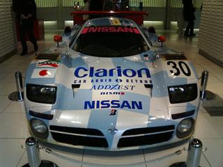 98年型 R390 GT1 30号車の写真